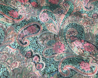 "Kenmill Vintage floral paisley fabric ""Titus"" pattern Green"