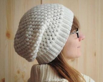 White hat / Women's Crochet Hat / Cozy hat / Women's Winter Hat / Crochet Winter Hat / Winter acssesorize