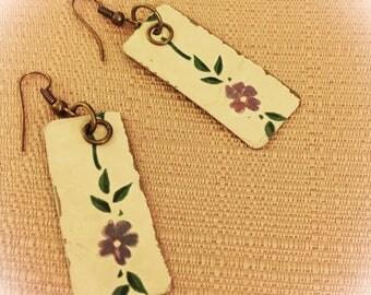 Vintage repurposed old cookie tin earrings !