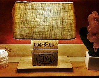 Table lamp made of Euro pallets with grey screen