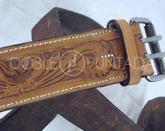 Big dog leather collar.