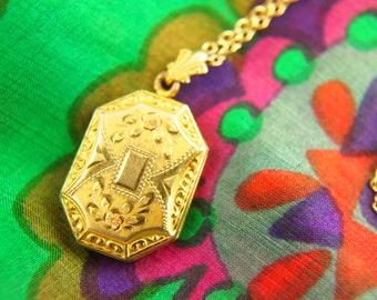 Flower Locket Necklace - 1940s Locket - Engraved Locket - WH Company - Gold Filled Locket - Wedding Locket