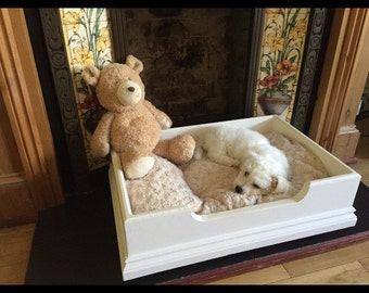 Bespoke solid pine dog bed