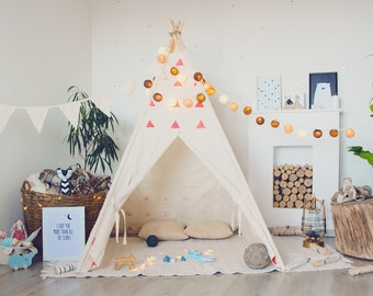 RED canvas Tipi, Tent, Tipi, Play tent, Play house, Wigwam, Vig vam, Tent for kids, Kids Teepee, Kids Tent, Teepee tent, Hand printed
