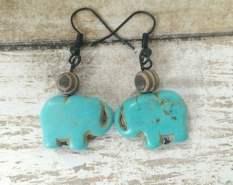 Turquoise dyed Stone Elephants with Wooden Balls