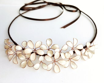 Hair Crown with delicate blossoms in ivory