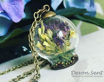 Lovely limonium necklace, terrarium jewelry, terrarium, botanical jewelry, plants jewelry, anniversary, real flower necklace,flower jewelry