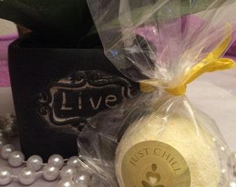 Lemongrass Med Fizzy Bath Bomb