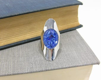 1970's Sarah Coventry Cleopatra blue art glass ring