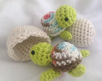 Baby sea turtles with eggs, 2 baby turtles with cracked shell and egg, handmade crochet turtle play set