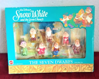 Walt Disney's Collectors SNOW WHITE & The 7 DWARFS Figures Boxed