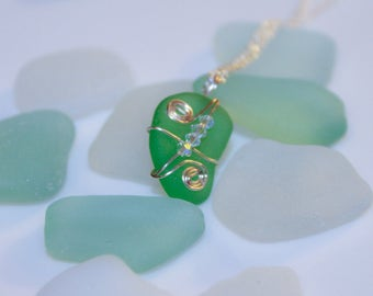 Modern style Real Sea Glass Necklace - Green sea glass Swarovski + Sterling Silver / Summer Jewelry gift for her / Statement necklace