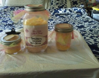 Strawberry Lemonade bath salts