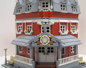 Lego General store with 2 bed 2 bath house