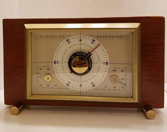 """Vintage """"The Sherwood"""" desktop barometer / temperature / humidity with tracking knob"""
