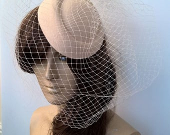 ivory cream white pill box hat french veil veiling fascinator millinery burlesque hair clip hen party bridal ascot race fancy dress British