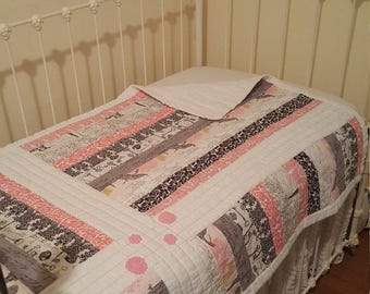 """Paris """"Here She Comes"""" baby/toddler quilt"""