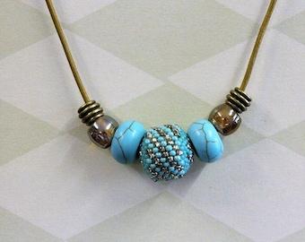 BEADO Turquoise bead necklace