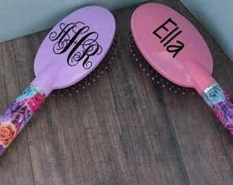 Personalized flower hair brush