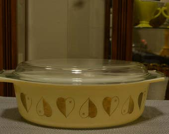 Golden Hearts Pyrex Dish