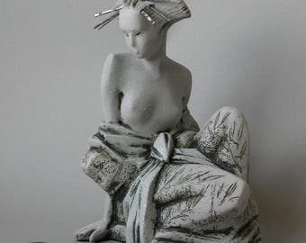 "The decorative sculpture ""Geisha"""