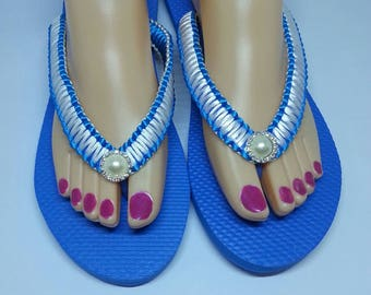 Blue and white flip flops with Rhinestone.   Blue and white summer flip flops.  Blue and white women's flip flops with Rhinestone.