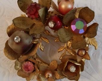 Sweet Floral Wreath Brooch Beautiful Vintage Jewelry