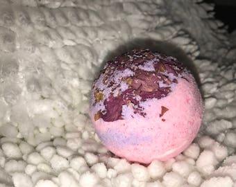 Love affair bubbly bath bomb