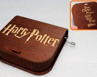 "Harry Potter - Engraved Wooden Music Box - ""Harry's Wondrous World"" - Hand Crank Movement"