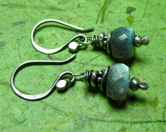 Organic Vibe - Labradorite and Sterling Silver Earrings