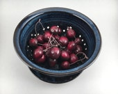 Berry Bowl,ready to ship pottery strainer, collander, ceramic pasta strainer, berry bowl with tray