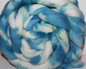 1lb. Super Fine Merino Wool Roving. Top. Spin. Felt. Super Soft. Kettle Dyed. 19 Micron Count. M88