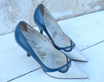 Vintage 1960/60s stiletto shoes heels bicolore white & blue  size 6