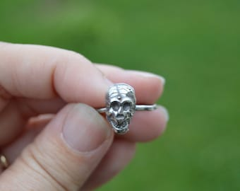 bone stories - skull ring - sterling silver cast skull ring