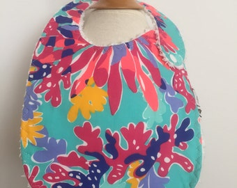 turquoise sippin' and trippin' ~ baby bib ~ lilly pulitzer ~ chic couture ~ boutique quality ~ baby bib from lillybelle designs