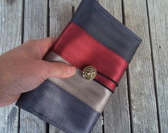 Large Seatbelt Wallet - Seat Belt Wallet - Ladies Wallet