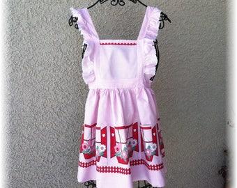 VINTAGE  CHILD'S FULL  Pink Apron