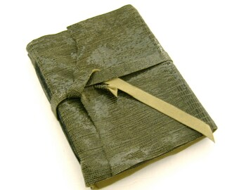 Leather Journal, Travel Lovers Gift, Green Leather Book, Leather Sketchbook, Handmade Journal, Artist's Gift, Writer's Gift, Unlined Journal