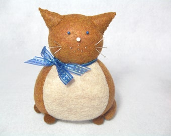 Caramel and cream cat pincushion, Felt animal pincushion, Brown cat, Cute pincushion, Cat gift, Gift for sewer, Cat lover, MTO