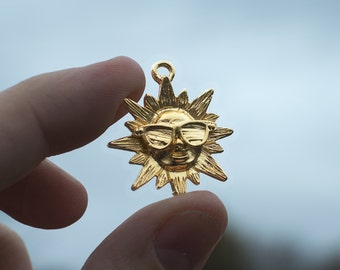 Gold Finished Happy Sun with Sunglasses Charm / Pendant 30x27mm (4) gyb025A