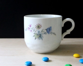 Wildflowers. 1950s coffee mug.