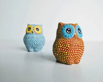 Owls Salt and Pepper red yellow blue white dot Painting salt and pepper shakers set