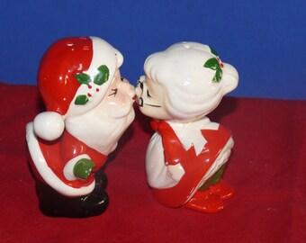 Mr and Mrs. Santa Salt-Pepper Shakers- Ceramic - Vintage - Japan