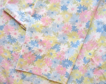 Pair Vintage 1980's Percale Pillowcases, Pastel Daisy Blossoms Cluster Design, PInk, Blue, Yellow Vintage Bedding, Vintage Pillowcases