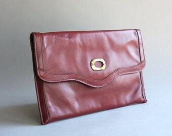 1970s Etienne Aigner Bag / Vintage 70s Merlot Leather Clutch / 70s Burgundy Envelope Clutch