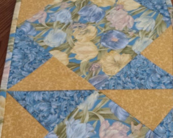 Summer Tulips Table Runner