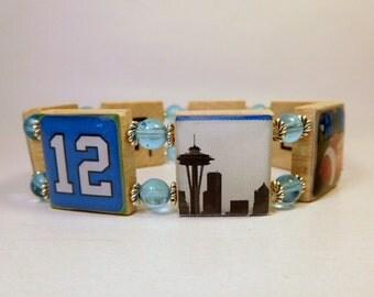 Seattle Seahawks Jewelry / NFL / Scrabble Bracelet / Inside Spells: SEATTLE / Football