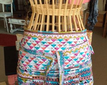 Vendor apron with zippered pocket