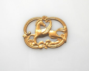 Winged horse Pendant Vintage Brass Stamping Ornamented  Large Oval Frame Pegasus  Connector Charm , 1