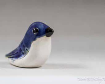 Blue And White Pottery Bird Sculpture - Miniature Ceramic Porcelain Clay Animal Decorative Home Decor Ornament - Terrarium Figurine
